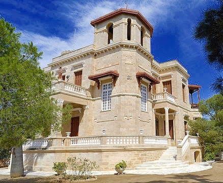 Image of beautiful mansion in Poseidonia, Syros.