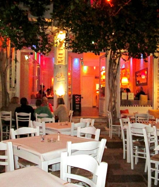Image of Kouzina restaurant in Syros, Greece.