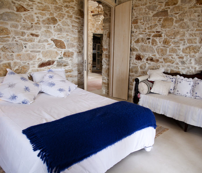 holiday-villas-syros-big-bedroom-balance-villa-for-4-2