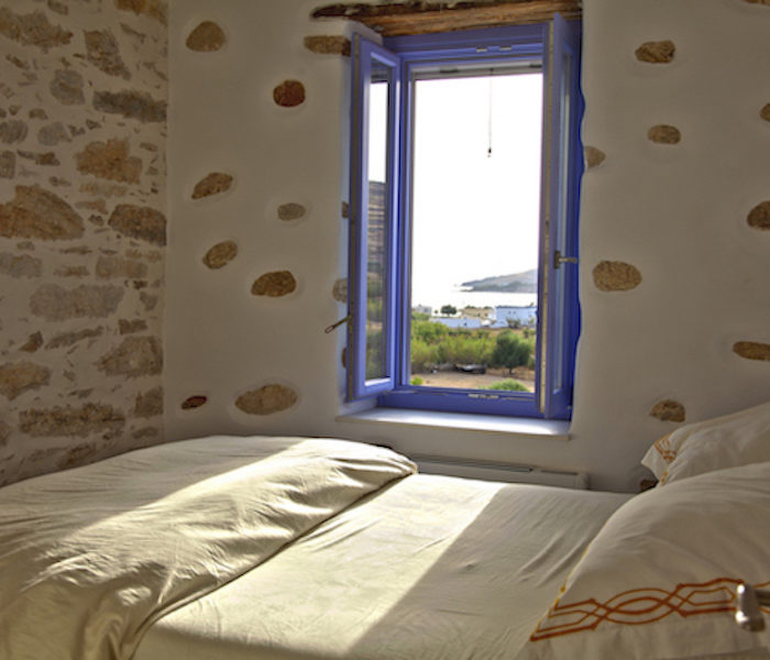 holiday-villas-syros-reason-bedroom-family-villa
